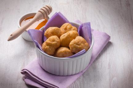 Receta postre fácil El Vesubio: Buñuelos fritos con miel
