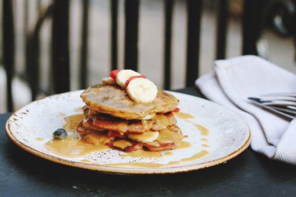 Receta postre fácil El Vesubio: Tortitas sanas de plátano