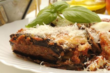 Receta El Vesubio: Berenjenas rellenas de queso y tomate